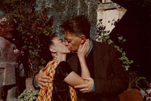 Frida y diego kiss