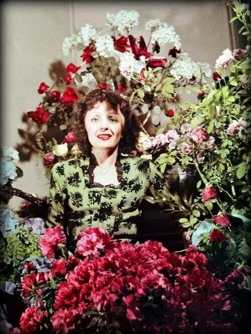 Edith piaf y flores