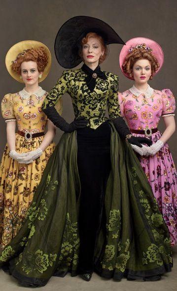 Cinderella madrastra y hermanastras