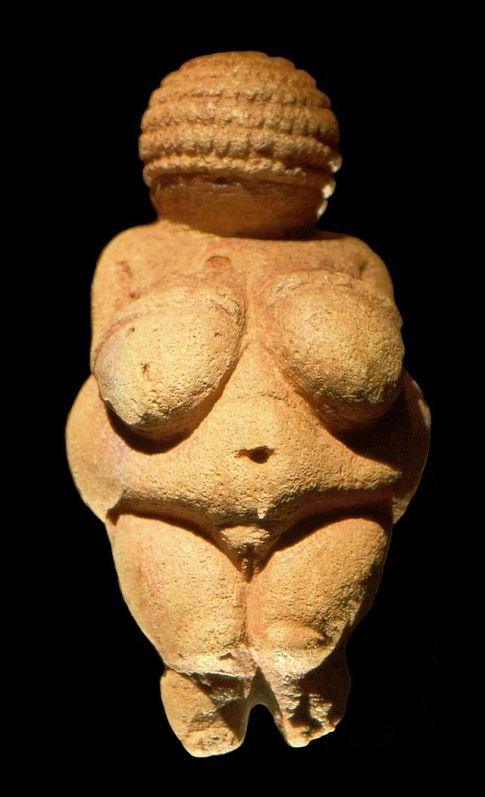 venus_of_willendorf_frontview_retouched_22